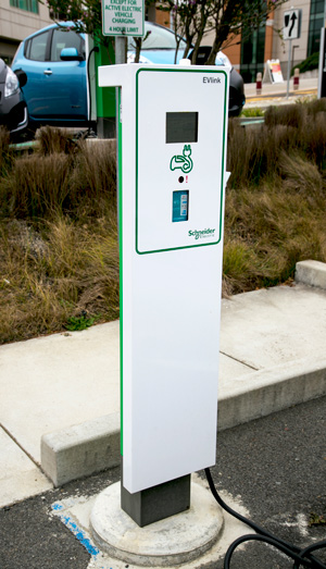 electric vehicle charging station at Skyline College